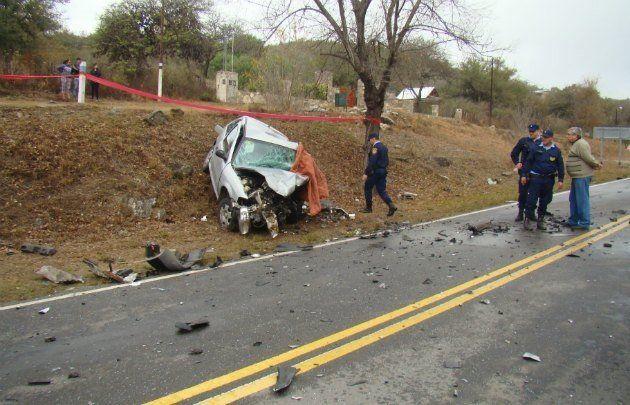 El auto en el que circulaba el hombre que estaba alcoholizado.