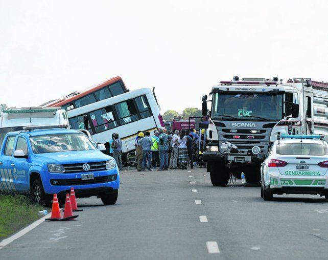 La tragedia. El choce en la ruta 33 enlutó a toda una región.
