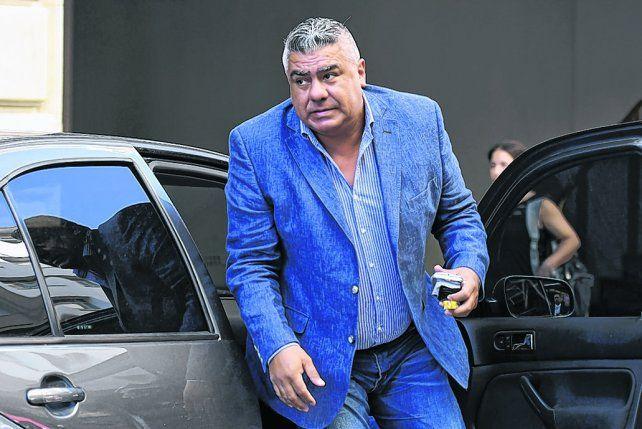 Mal trago. El presidente de la AFA fue amenazado de muerte. Se presume que es por el castigo que recibiría Belgrano.