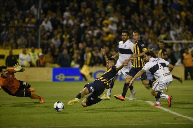 Central ganó un partidazo con uno menos y entró en zona de Copa Sudamericana
