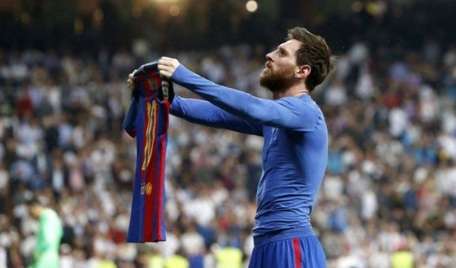 Soy Leyenda. Messi convirtió el gol 500 y le dio la victoria a Barcelona de visitante en el clásico español.