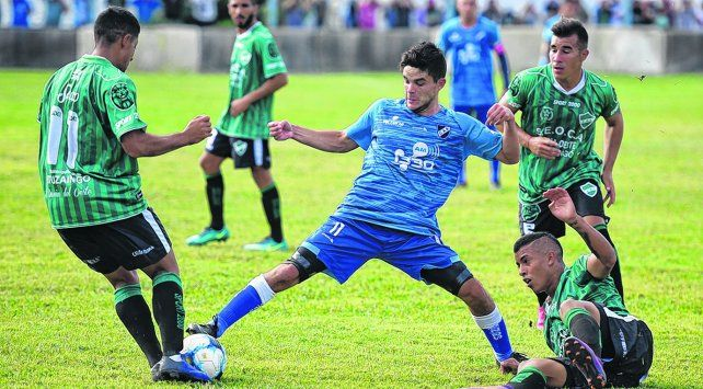 Alejo Vechiarello. Convirtió el segundo gol del partido y se mostró muy movedizo por el sector derecho.