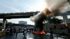 Según algunas versiones serían tres los muertos durante la jornada de hoy en Venezuela.