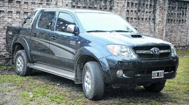 la camioneta. Esta Toyota Hilux estaba a nombre de Gustavo Pupo pero se la secuestraron a Guille Cantero en 2010 al detenerlo en Baigorria.