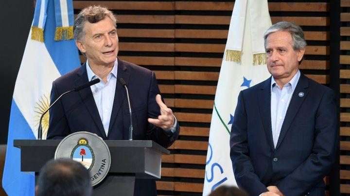 El presidente de la Nación, Maurcio Macri, y el ministro de Modernización y Gestión, Andrés Ibarra,