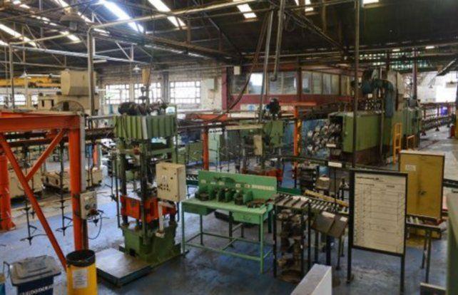 La crisis económica sigue golpeando al sector industrial.