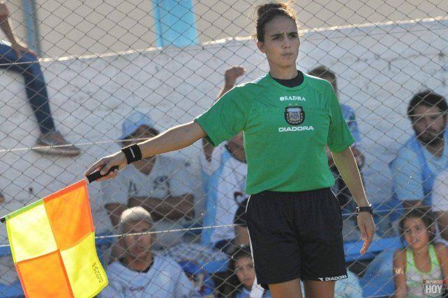 Nadya Charotti será jueza asistente esta noche en el choque entre Central y Cañuelas.