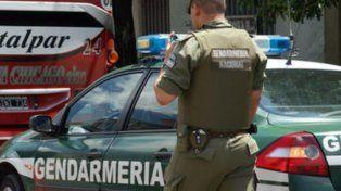 Dos delincuentes ingresaron y robaron cinco armas reglamentarias en un edificio de Gendarmería