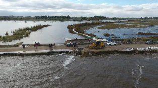 Melincué: dramática situación viven los vecinos por el avance de las aguas