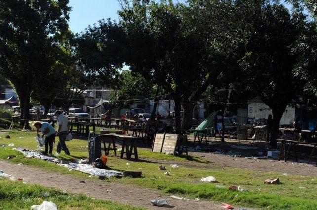 Reclamo. El club tiene inconvenientes sobre calle Láinez. Tiene ayuda estatal y debe cumplir compromisos.