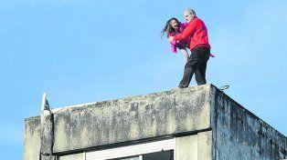 Casi una tragedia. En junio de 2014, César Frate amenazó con suicidarse y arrojar a su hija desde un décimo piso.