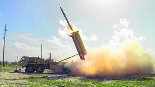 Escudo. Lanzamiento de un misil interceptor desde un sistema THAAD.