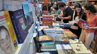 Se podrán comprar libros en tres cuotas sin interés para estimular el consumo