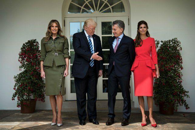 La foto en la Casa Blanca entre ambos mandatarios y sus repecticas primeras damas.