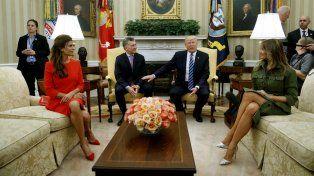 Trump recibió a Macri en el salón oval de la Casa Blanca y mantuvieron una animada charla.