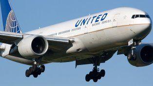 United Airlines estableció una compensación récord para los pasajeros que cedan sus asientos