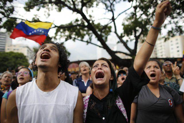Sollozos. Marcha en honor a una de las víctimas de la represión policial.