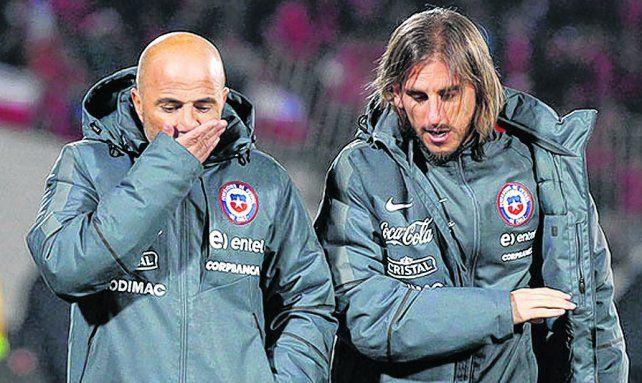 Dupla de selección. Sampaoli ya lo tuvo a Beccacece en Chile. El hoy DT de Defensa confió que el casildense lo llamó para sumarlo.