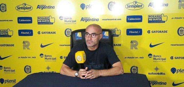 El entrenador de Central Paolo Montero se entusiasmó con la recuperación de Gustavo colman.