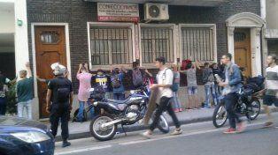 Los chicos fueron demorados a metros de los tribunales Federales de calle Entre Ríos.