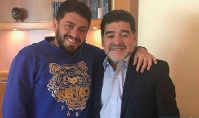 Maradona y Diego Junior se volvieron inseparables y viajan juntos por Europa