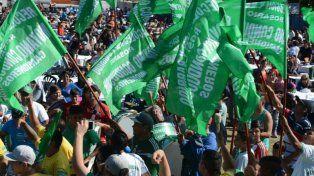 Los recolectores pidieron un paro nacional en su tradicional locro del Día del Trabajador