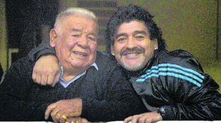 Padre e hijo. Maradona le dedicó un cálido mensaje a Don Diego