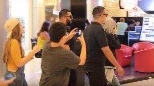 Se disfrazó de Justin Bieber y causó un revuelo en un shopping