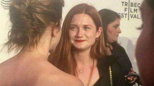 Emma Watson y Bonnie Wright fueron fotografiadas en el Festival de Cine TriBeCa.