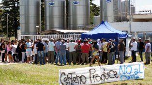 Teabajadores de la planta Centeno de Sancor durante una de las tantas protestas.