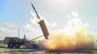 En alerta. El sistema de misiles defensivos THAAD instalado en Surcorea.