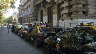 Convocan a una marcha frente a los Tribunales por el taxista asesinado