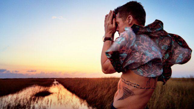 La primera producción de fotos de Brad Pitt tras el divorcio lo mostró triste y delgado