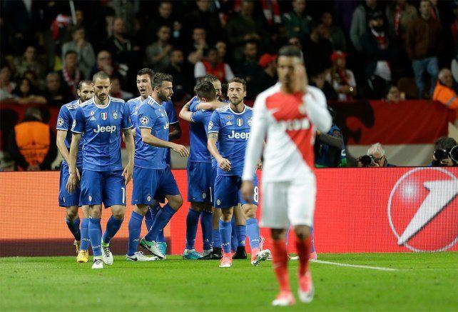 Todo Juventus celebra el triunfo clave como visitante frente a Mónaco.