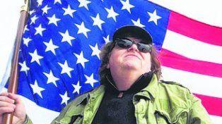 Michael Moore critica a Trump desde el teatro