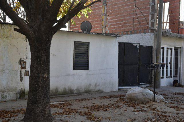 Pasaje 1858 al 4400. Segovia fue golpeado el pasado 12 de abril en su casa y murió cinco días más tarde.