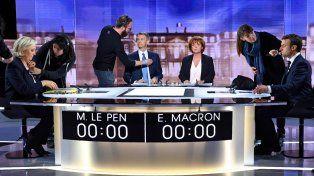 Pulseada política. Los aspirantes al Palacio Elíseo se tiraron con munición gruesa durante el duelo televisivo.