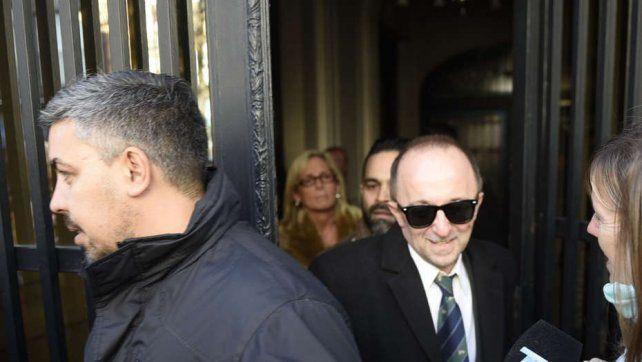El fiscal rechazó que lo haya entregado la custodia y advirtió que el ataque estaba planeado