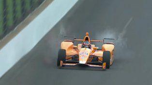 Un auto de la Indy Car arrolló y desintegró dos pájaros al mismo tiempo a más de 350 kilómetros por hora