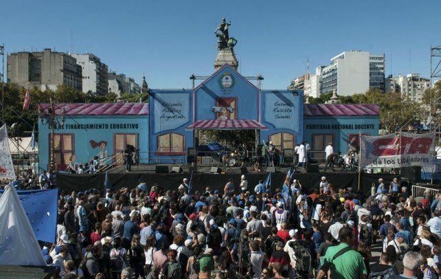 La Escuela Pública Itinerante instalada a mediados del mes pasado en la plaza Congreso.