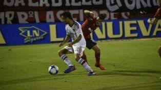 Nacho Scocco marcó el tanto del empate transitorio.