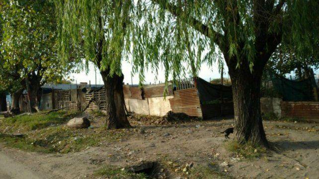 Ordenan el desalojo de familias que ocupan tierras municipales