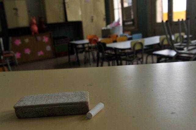 Faltazo. La baja en la cantidad de licencias por enfermedad de docentes ahora se busca extenderla a otras áreas.
