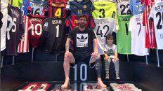 La imagen -con camisetas hasta en el techo- fue publicada hoy en la cuenta de Instagram de Messi.