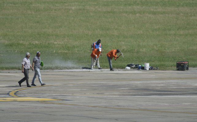 Mantenimiento. Las serias deficiencias advertidas en la estación aérea de Fisherton obligarán a demoler y reconstruir losas.