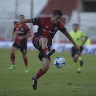 Jacobo Mansilla ingresaría por Joel Amoroso.
