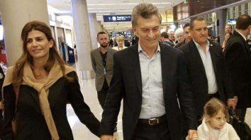 El presidente Mauricio Macri, su esposa Juliana Awada y la hija de ambos, Antonia, en Dubai.