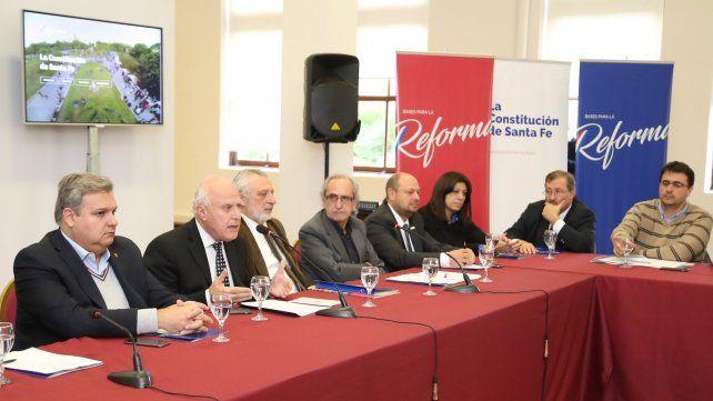 El gobernador Lifschitz quiere avanzar con el proceso de reforma constitucional
