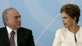 De crisis en crisis. Dilma acusó a su entonces vice Michel Temer de traición y de orquestar el impeachment.