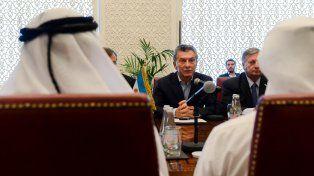 Macri se reunió con funcionarios y empresarios de Emiratos Arabes en busca de inversiones